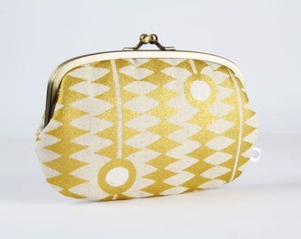 Metal frame purse with two sections - Kuki to tane in gold - big siamese / Japanese fabric / golden zigzag / white linen blend