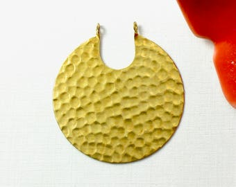 4 hammered ROUND jewelry pendant or earring drops. 41mm x 38mm (T9).