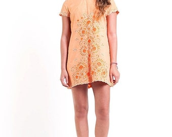 40% OFF The Vintage Embroidered Tangerine Shift Dress