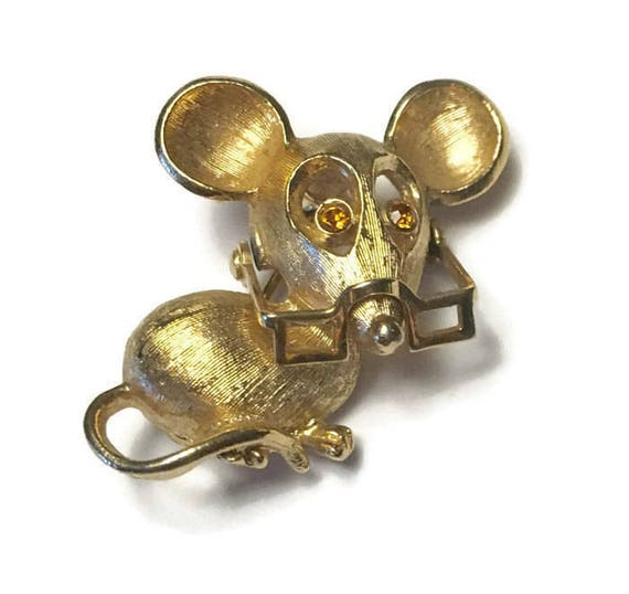 Vintage Mouse Pin Moveable Glasses Rhinestone Eyes Avon Spectacular Mouse 1972 Figural Pin