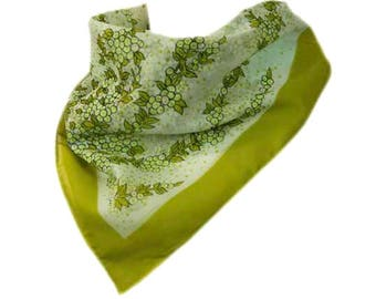 1970s Sheer Shades of Green and White Berry Grape Vine Vintage Square Scarf