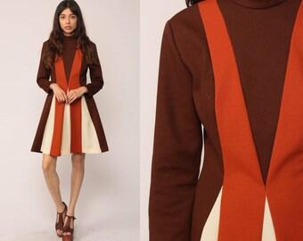 60s Mod Dress MINI Striped 1960s Shift Space Age Stewardess Vintage Twiggy Long Sleeve Sixties Minidress Brown Burnt Orange Medium