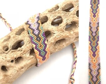 Pastel friendship bracelet - handmade - string - thread - embroidery floss - diamond flame pattern - cotton - knotted - macrame - woven