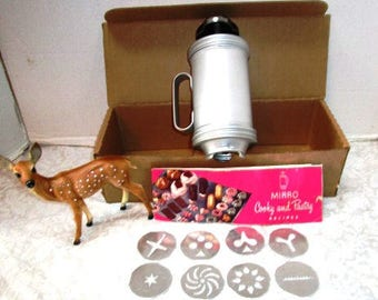 Vintage Cookie Press Mirro Boxed Set, Recipe Book, 11 Plates, Christmas Camel, Bridge Treats, Tea Party Picnic Wedding Shower, Aluminum