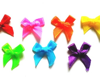 100 pcs Cute Satin BOW Ribbon Appliques Embellishment Decoration size 20 x 25 mm mix Rainbow color