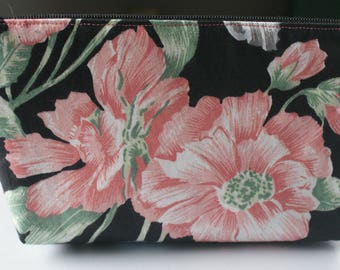 Floral Wristlet Clutch with Zipper Lined Floral Clutch Wedding Clutch Bridal Shower Gift Bridesmaids Gifts Clutches and Evening Bags Handbag