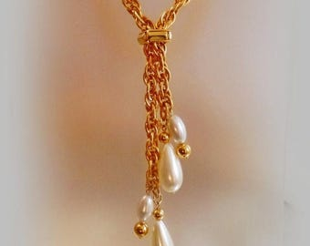 SALE Vintage Gold Rope Teardrop Pearl Necklace. Heavy Gold Tone Chain with Faux Pearl Teardrops Lariat Necklace