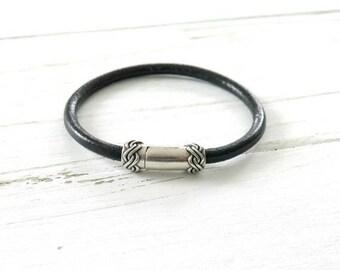 Sale 40% Off Black Leather Bracelet / Minimalist Leather Stacking Bracelet / Boho Bracelet for Women / Rope Leather / Leather Jewelry / Gift