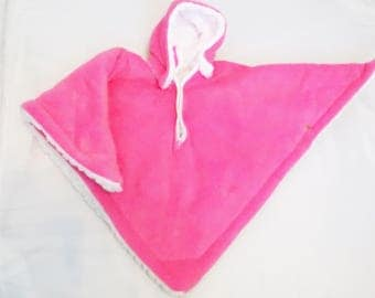 Car Seat Poncho 4 Kozy Kids (TM)-pockets, double sided, reversible, detachable hood & batting, car seat safety, front snaps-Hot Pink/White