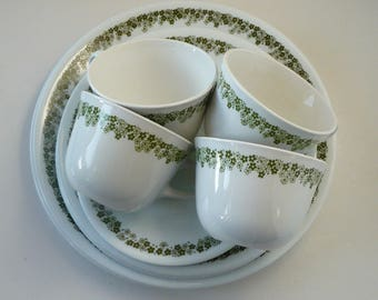 Corelle Spring Blossom Crazy Daisy Green Daisies Service Service for 4 Dinner Salad Plates Cups Saucers