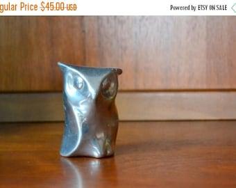 SALE 25% OFF vintage hoselton aluminum owl figurine / modern owl figurine / silver metal home decor