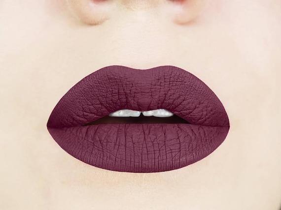 Très Cerise noire liquide rouge à lèvres. Prune. Foncé. Maron. RH76