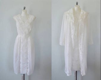 Vintage White Chiffon Peignoir Set, 1960s White Chiffon Peignoir Set, Peignoir Set, Chiffon Peignoir, Nightgown Robe Set, Nailon