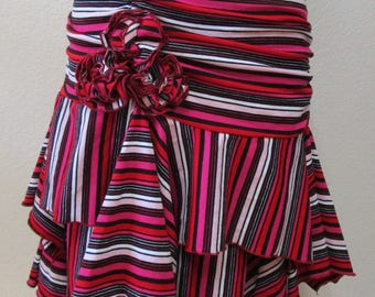 Geometric pattern skirt with black, white, and red color with 2 layers and 1 rose decoration plus made in USA (VN76)