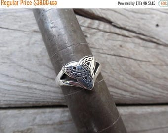 ON SALE Celtic triquetra ring handmade in sterling silver