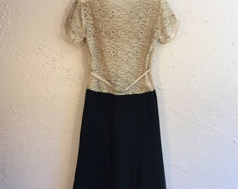 Exclusively Yours - Vintage 1930s Antique Ivory Lace Black Chiffon Rayon Dress w/Plunge Back - 0/2