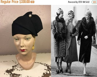Anniversary Sale 35% Off Gaggling Giggles of the Gals - Vintage 1930s Black Felt Structured Calot Hat w/Large Pearl