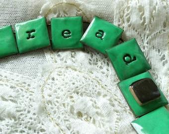 Read chain bracelet