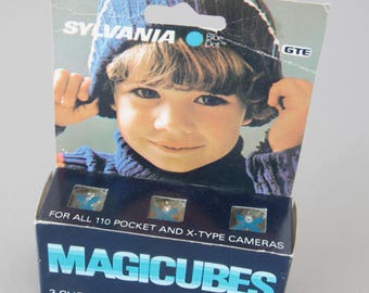 Package of Two Sylvania Magic Cubes Vintage flash bulbs