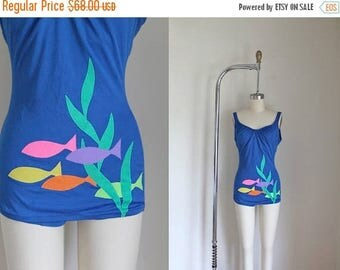 AWAY SALE 20% off vintage 1960s swimsuit - SCHOOL of Fish blue one piece malliot / S/M