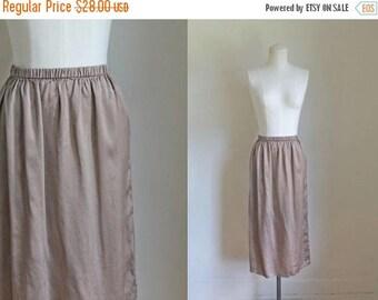 AWAY SALE 20% off vintage silk skirt - PUTTY taupe silk midi skirt / Xs-S