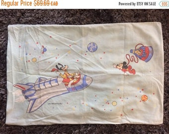 15% OFF Vintage Disney Pillowcase Space NASA Retro 70s Single Standard Size Pillowcase Mickey Mouse Goofy Astronaut