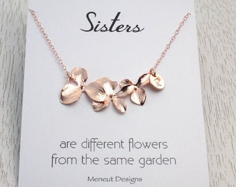 Sisters Initial Birthday or Wedding Necklace, Personalized Rose Gold Charm Necklace, Gold Disc Charms, Bridal Jewelry Gift for Sister in Law