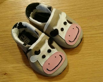baby cow shoes size 3-6 months, boy baby booties, baby shower gift, moccasins with Holsteins