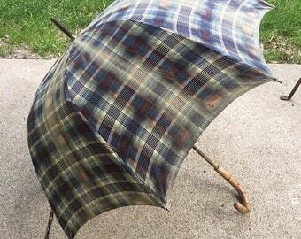 Summer Sale Vintage umbrella, vintage plaid umbrella