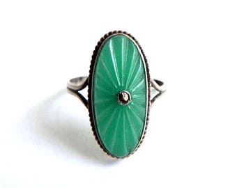 Vintage Art Deco Sterling Silver Green Celluloid Ring - Starburst - Molded Celluloid Stone - Size 8 - One of a Kind