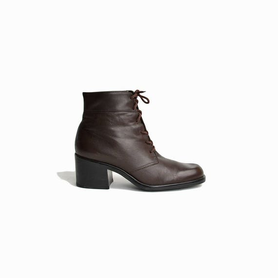 Vintage 90s Lace Up Ankle Boots in Espresso Brown / Heeled Ankle Booties - women's 7
