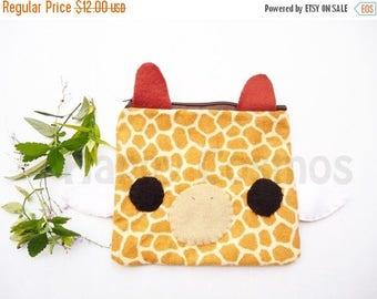 ON SALE - Giraffe Zipper Pouch - Pencil Pouch, Pencil Case, School Supplies, Make Up Bag, 3DS Case, Phone Case, Coin Purse