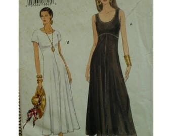 Pullover Knit Dress Pattern, Fitted Bodice, Scoop Neck, Sleeveless/Short Sleeves, Flared Skirt, Stretch Fabric, Vogue No. 8936 Size 8 10