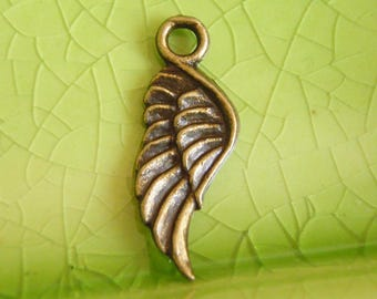 50 bronze silver wings feathers charms pendants mocking Games angel jay cupid archangel winged fancy animal fly flying 21mm x 8mm - C1001-50