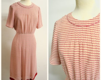 1970s does 40s Red cream pleated day dress / 1940s style 70s crepe dress - S M