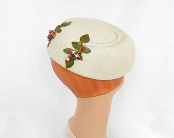 Vintage 1950s hat, ivory straw toque, woman's 50s hat