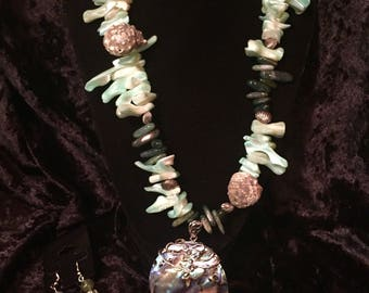 Abalone seashell necklace set