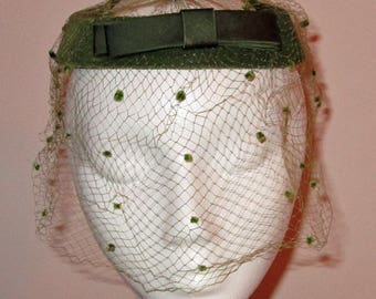 Vintage Ladies Green Velvet Hat with Polka Dot Netting