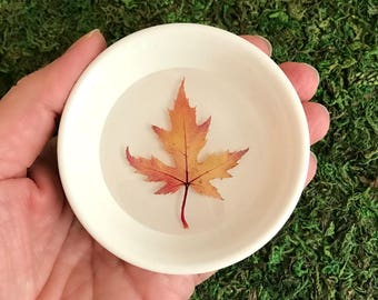 Autumn Leaf Ring Dish, pressed leaves dish, real leaf dish, ring holder, jewelry storage, jewelry tray, bridesmaid gift, Mom gift