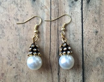 Gorgeous pearl drop earrings