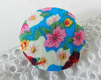 Button blue floral fabric, 32 mm / 1.25 in diameter