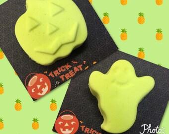 Pineapple Ghost or Pumpkin bath bomb