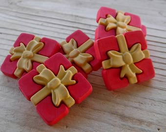 """6 Red and Yellow Large Presents Shanked Buttons. Size 7/8"""""""