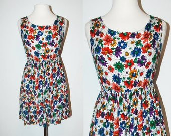 SALE! Until Feb 24th! VINTAGE Florals 90s Hipster Dress / Baby Doll / Size Medium