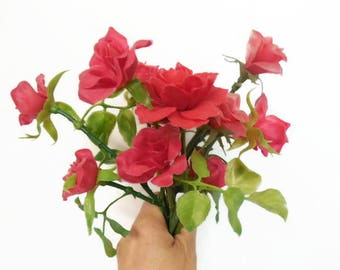 Retro Plastic Red Roses Floral Stems, Artificial Flowers, Plastic Flowers, Flower Picks, Tacky Kitsch Small Red Roses, Short Faded Red Roses
