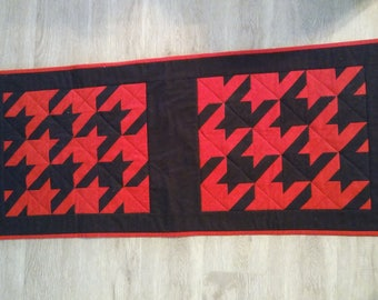 Handmade Everyday table runner - houndstooth - red and black