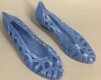 Light Blue Jelly Shoes. 80s Jellies. Blue Flats. Blue Slip Ons. Rubber Shoes. Plastic Shoes. 80s Plastic Sandals. US Womens Size 7 France 38