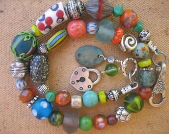 15%off HIPPIE BRACELET VINTAGE style boho chic bracelet bright colors