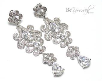 Long White Crystal Bridal Earring Cubic Zirconia Chandelier Teardrop Bride Earring Vintage Wedding Jewelry Bridesmaid Gift Statement Earring