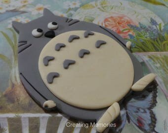 TOTORO CAKE topper.  Edible Fodant treats for your kids party the perfect touch for your home made cakes.  Any color to match your theme.